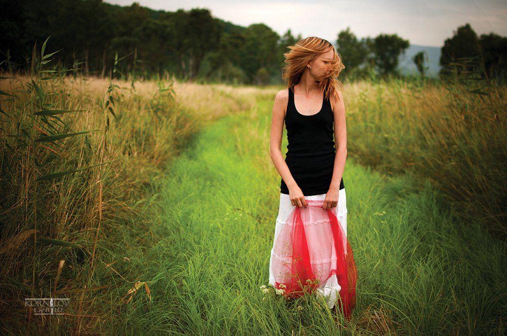 девушка, , поле, трава, волосы, ветер, северные, , земли, , дмитрий, , корнилов, Барсук