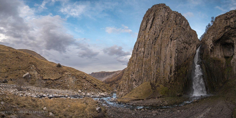 горы, предгорья, хребет, вершины, пики, снег, осень, водопад, панорама, скалы, холмы, долина, облака, путешествия, туризм, карачаево-черкесия, кабардино-балкария, северный кавказ, АрсенАл