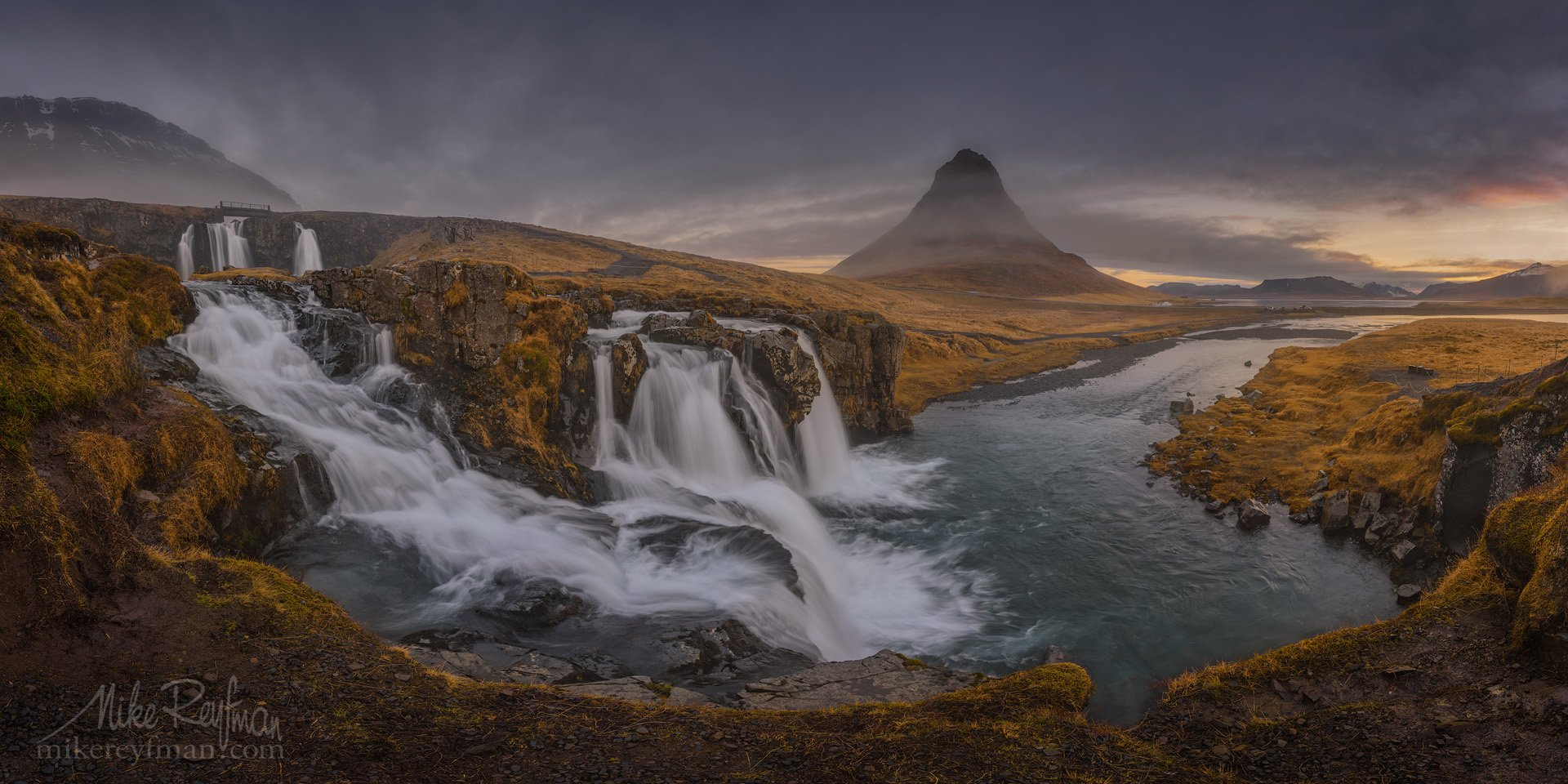 church mountain falls, kirkjufell, kirkjufellsfoss, grundarfjorour, snæfellsnes peninsula, iceland, pano, panoramic, Майк Рейфман