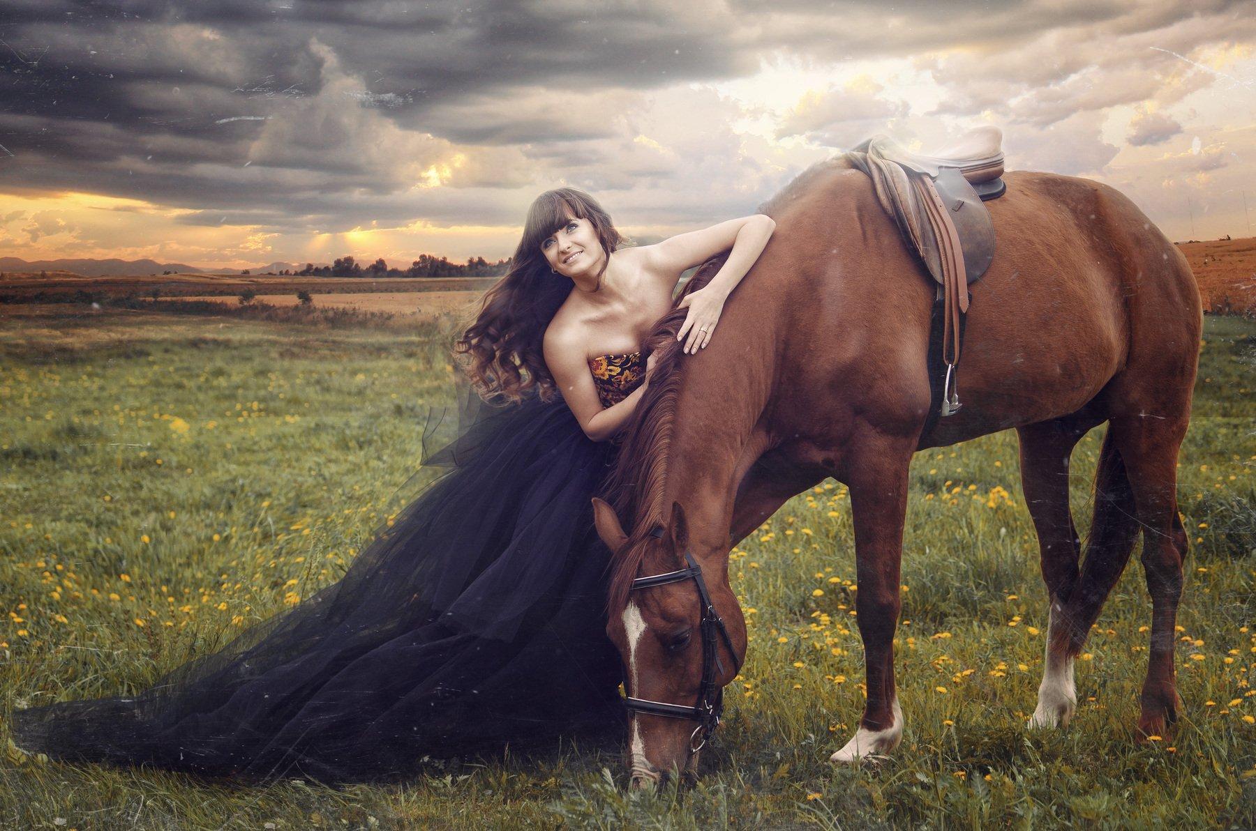 девушка, модель, красота, лошадь, луг, гроза, фатин, платье, трава, небо, тучи, солнце, улыбка, сказка, история, седло, прическа, ветер, Максим Михайлов