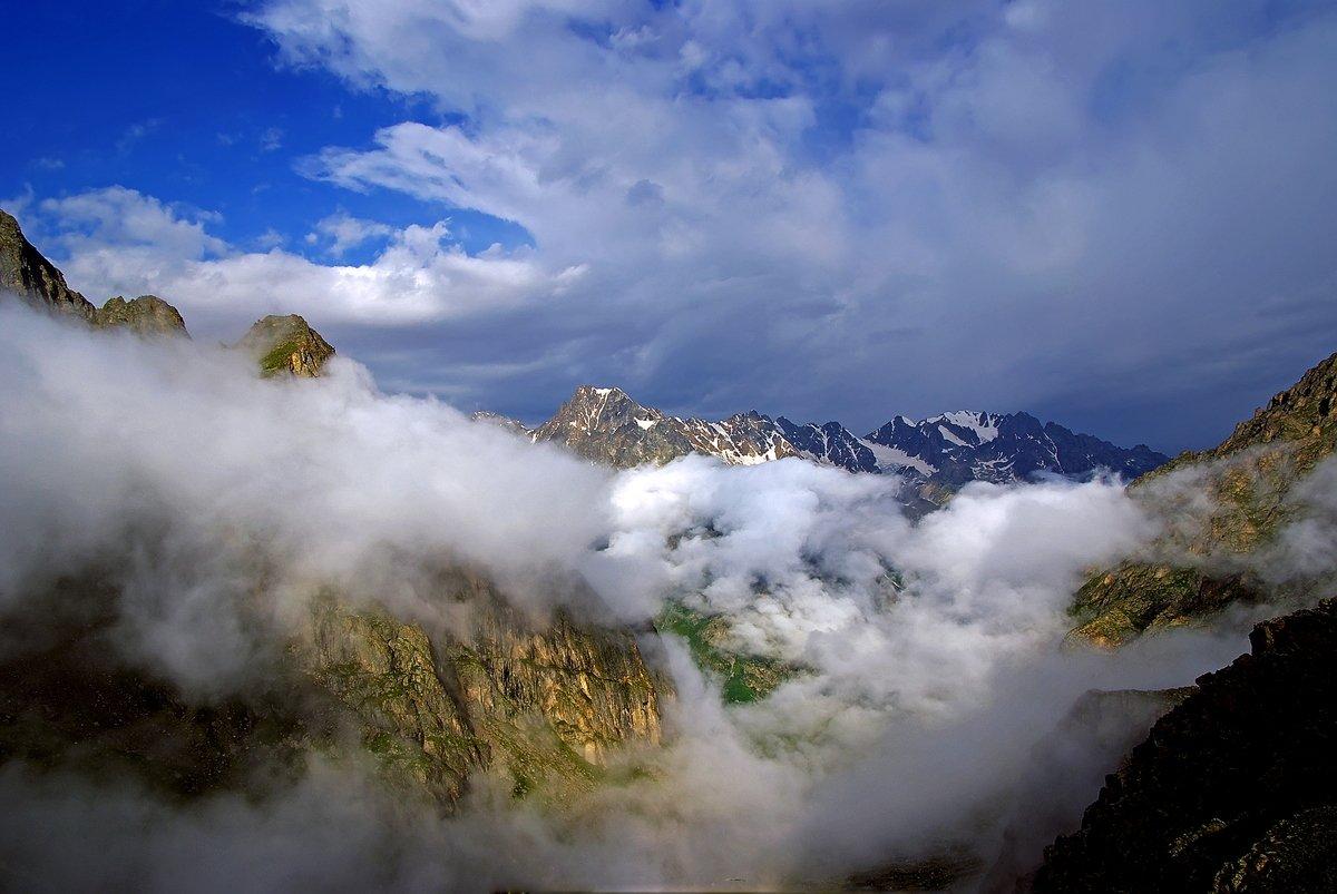 кавказ, приэльбрусье, горы, куллумкол, облака, Максим Рогозин