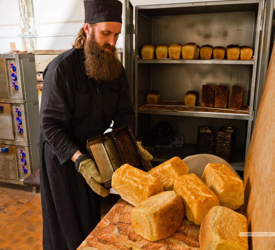 монастырь, монах, хлеб, Евгений Харланов