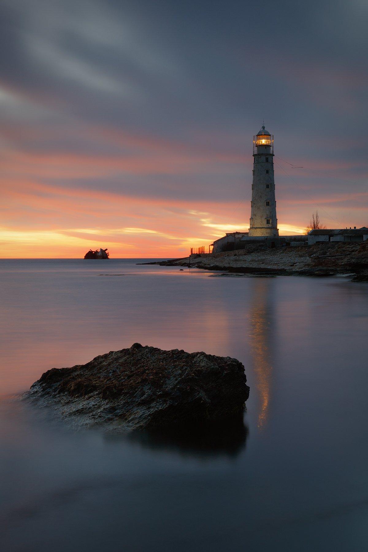 море, вечер, берег, камни, маяк, свет, небо, облака, пейзаж, тарханкут, крым,, Сергей Шульга