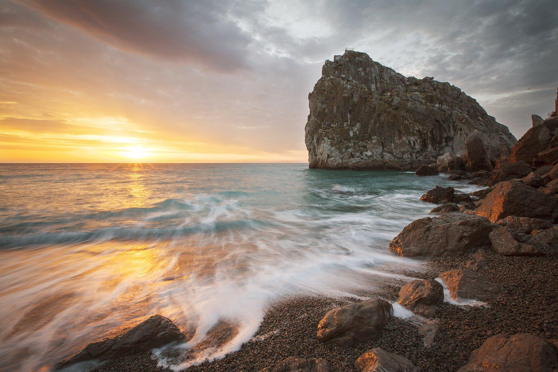 море, берег, восход, утро, солнце, крым, скалы, небо, пейзаж,, Сергей Шульга