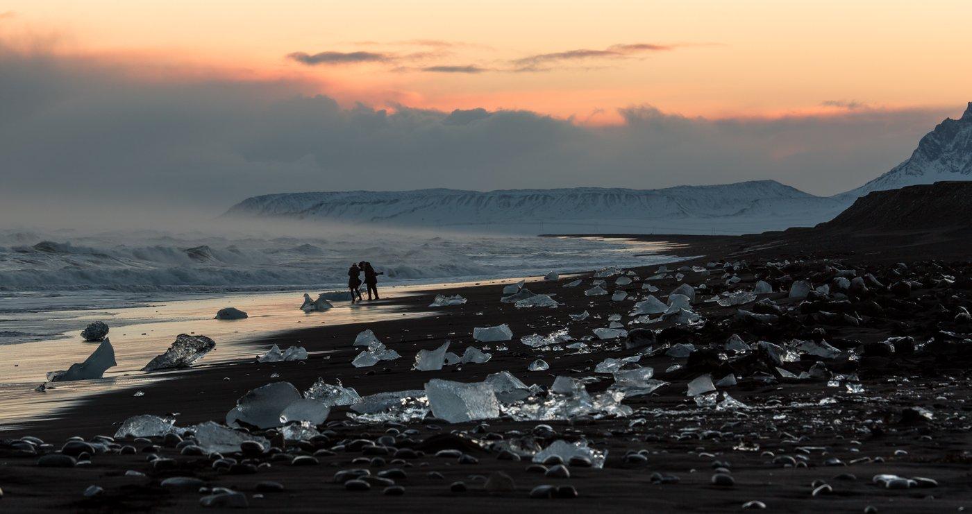 чёрный пляж, исландия, ледяная лагуна,волны, закат, льдинки,вулканический песок, фотографы, атлантический океан, Ирина Назарова