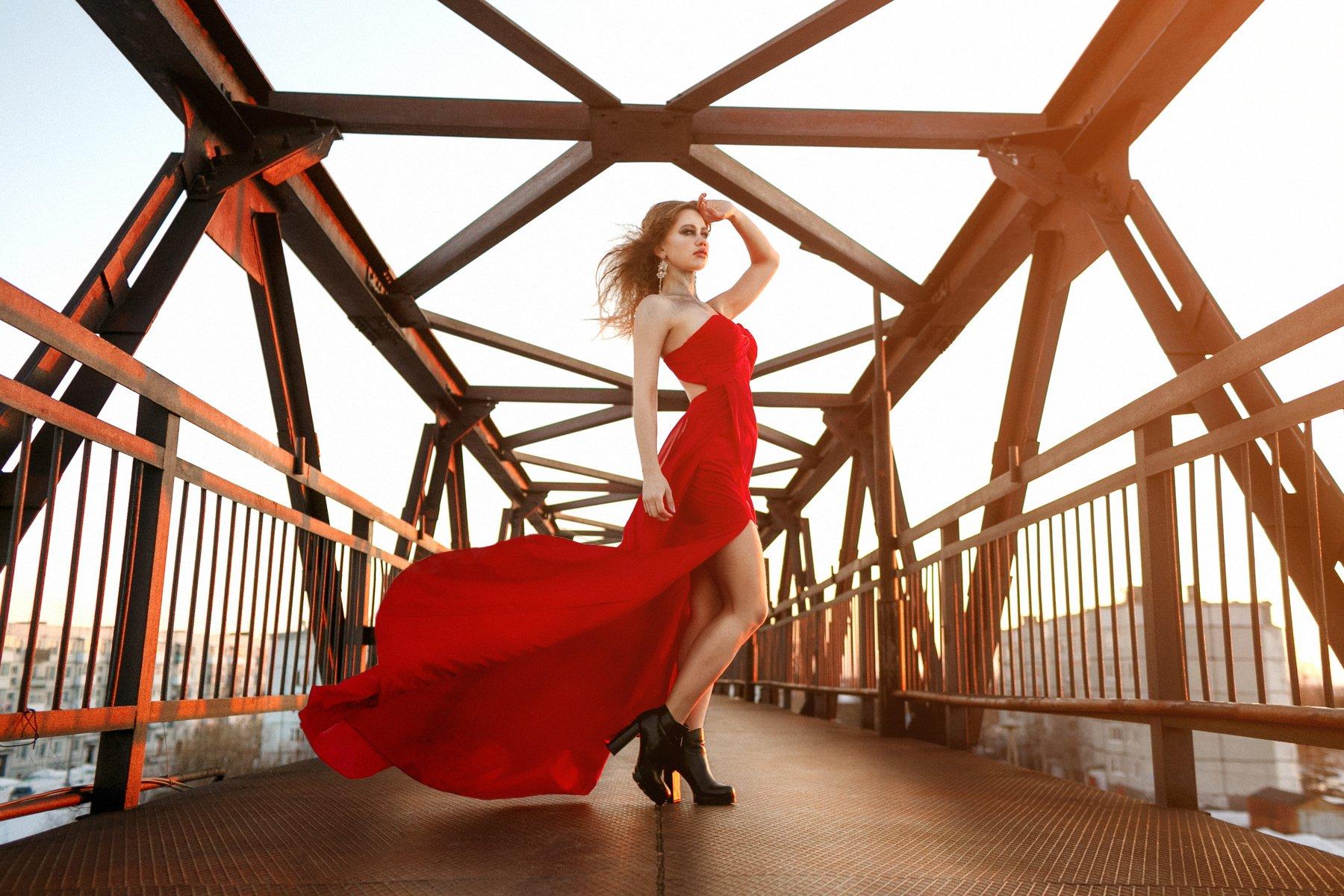 девушка, платье, красный, небо, закат, легкий, цвет, солнце, ветер, фото, переход, Dmitry Bastet