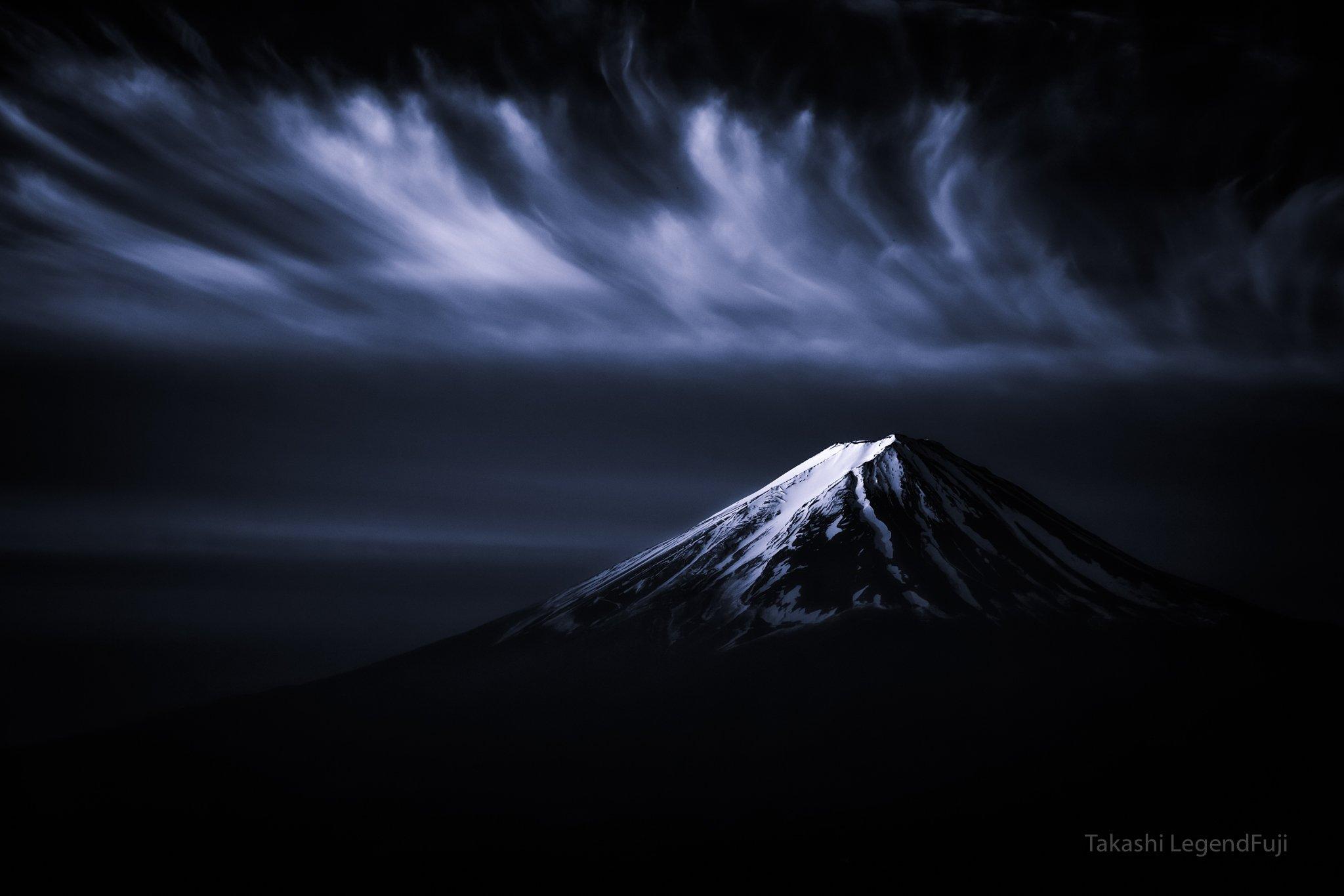 fuji,mountain,japan,snow,clouds,sky,amazing,beautiful,wonderful,peak,, Takashi