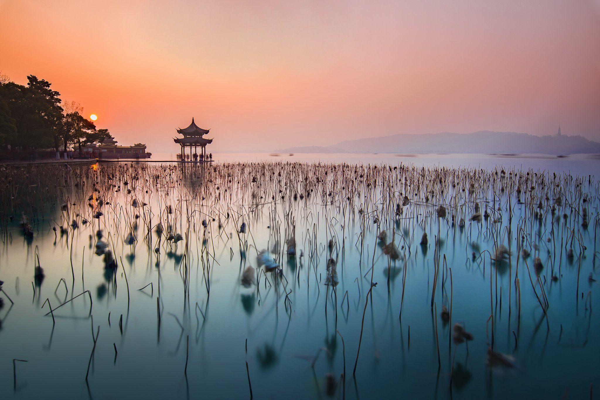 sunset, pagoda, winter, lotus, colour, westlake, long exposure, Derek Zhang