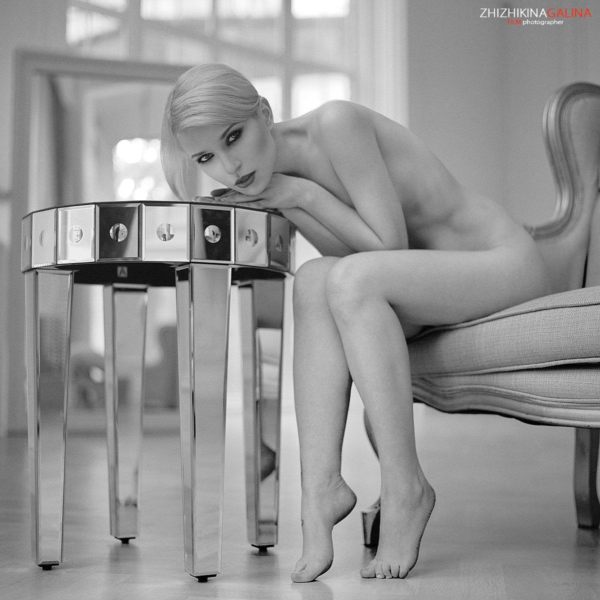 девушка, свет, модель, портрет, жанр, стол, нежность, искусство, грация, ню, модель, воркшоп, мастер-класс, люстра, soul, photo, photography, portrait, nature, art, nude, artnu, nu, Галина Жижикина