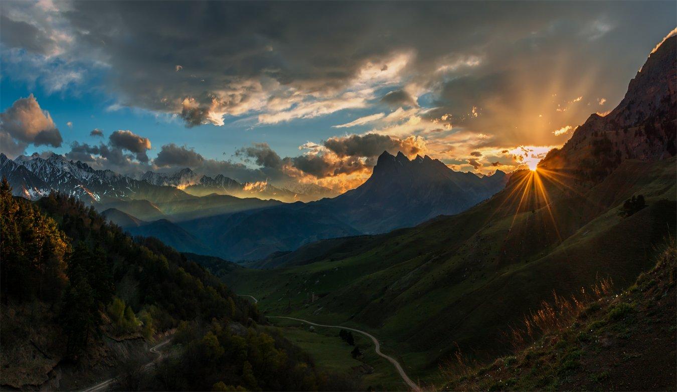 природа, пейзаж, кавказ, горы, весна, ингушетия, вечер, панорама, закат, солнце, небо, облака, Альберт Беляев