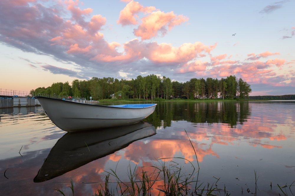 пейзаж,природа,лодка,лето,июнь,закат,вечер,лес,облака,отражение, Юлия Лаптева