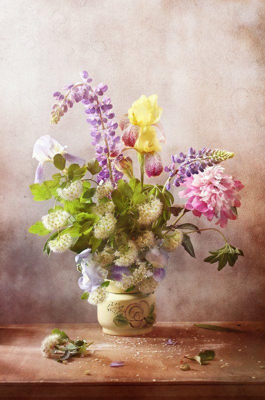 натюрморт, букет, цветы. ирис, люпины, спирея, пион, Курочкина Диана