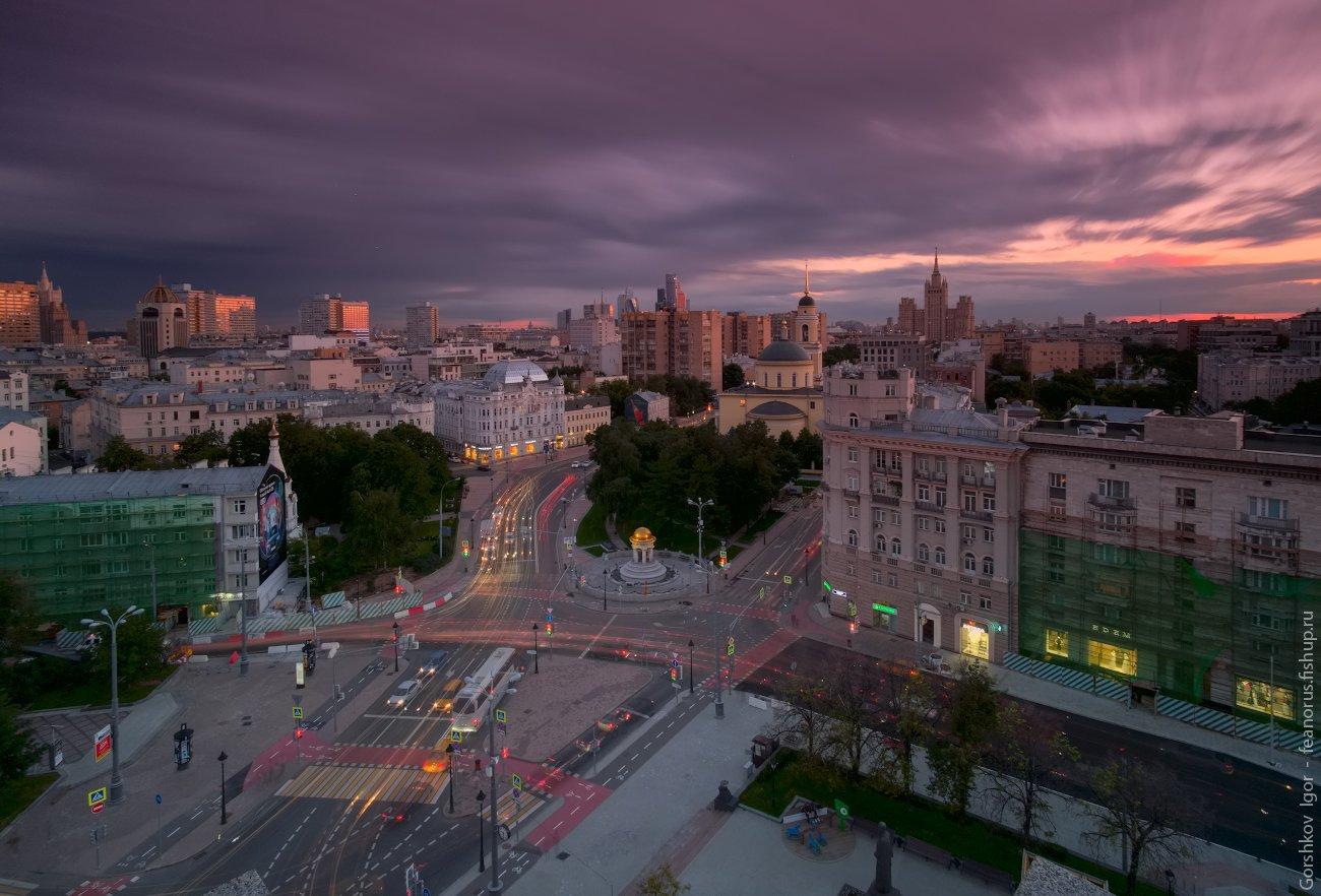 москва,закат,вечер,небо,город,городской пейзаж,архитектура,столица,россия,здания,высотка,длинная выдержка, Горшков Игорь