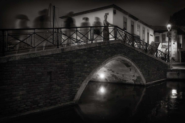 встреча, мост, фонарь, вечер, франция, порт, дувешка, прохожие, свидание, Alla Sokolova