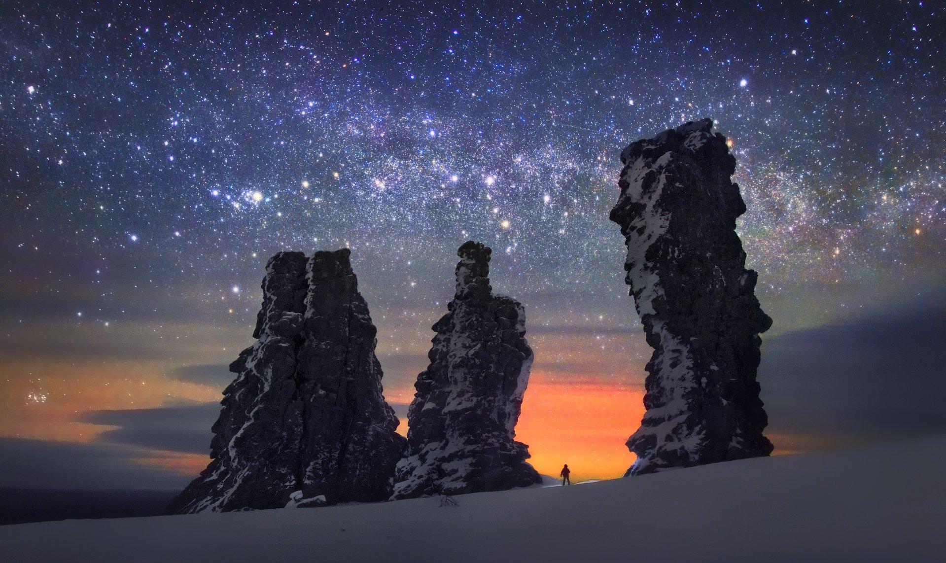 landscape, nature, ural, winter, rocks, weathering posts, manpupunier, phototour, plateau of giants, north ural, урал, зима, снег, горы, скалы, останцы, столбы выветривания, мансийские болваны, путешествия, фототур, снегоходный тур, пейзаж, природа, ночь,, Бродяга с севера