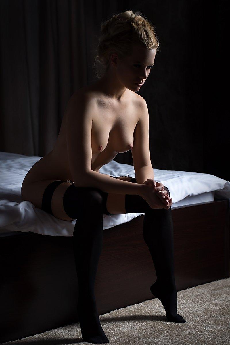 model, nude, naked, glamour, woman, female, colour, body, sexy, sensual, curves, portrait, erotica, fine art, blondie, bedroom, lingerie, shadow, legs,, Lajos Csáki