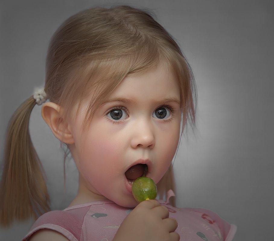 портрет,девочка,глаза,конфетка, Ravilin