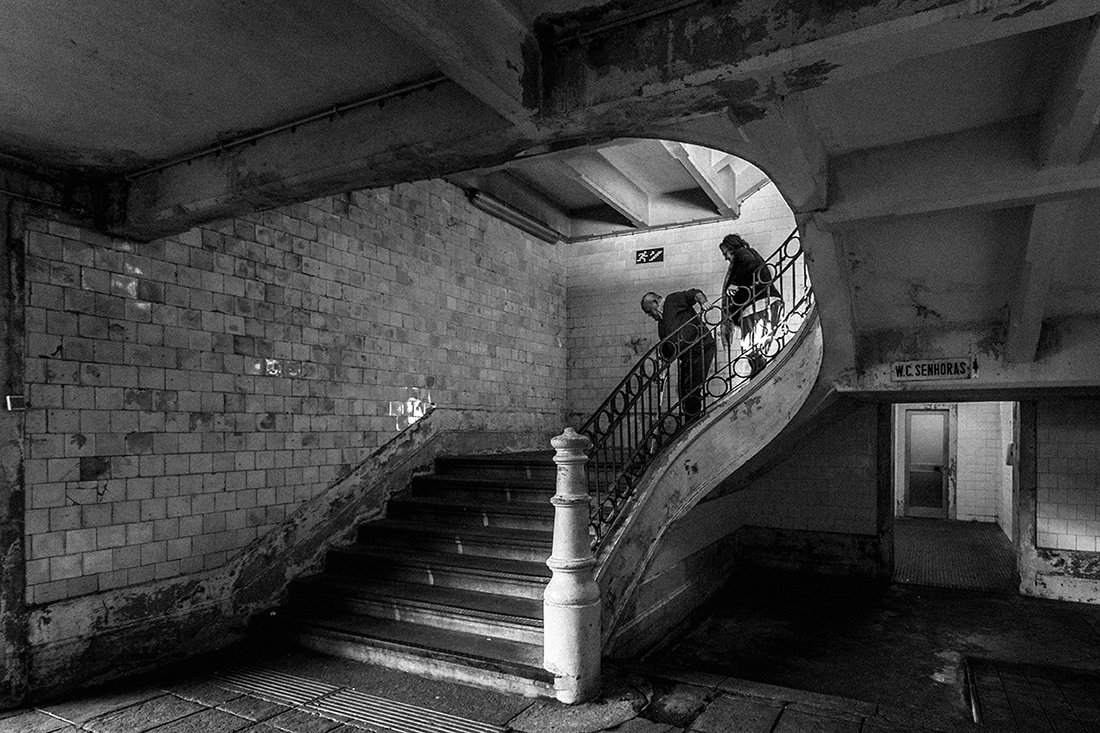 market, stairs, old, people, street, Oporto, Portugal, Antonio Bernardino
