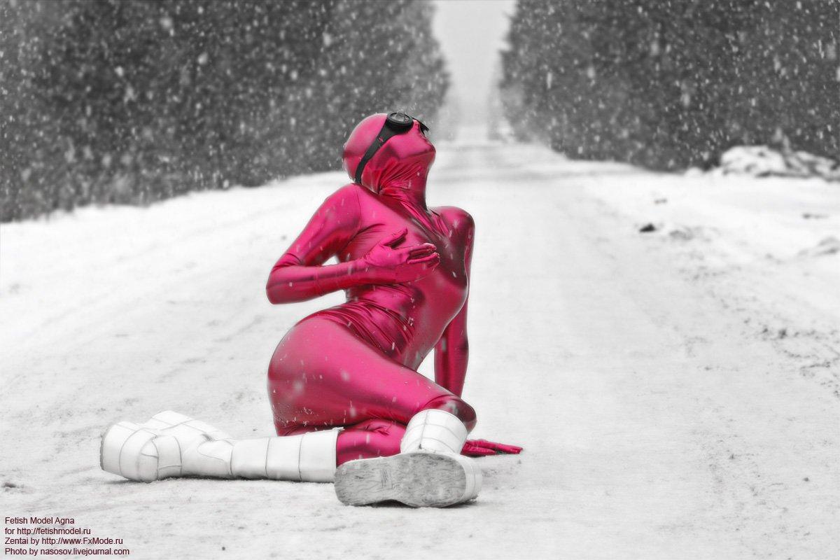 зентай, фетиш, закрытый, комбинезон, розовый, агна деви, фетишна, спандекс, винил, обтягивающий, платформы, фетиш модель и дизайнер фетиш одежды Агна Деви (FetishModel.ru)