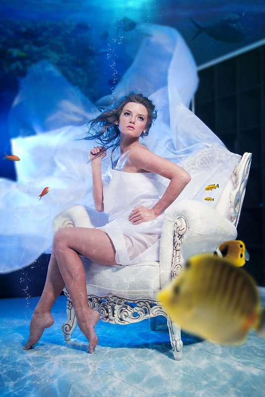 water, girl, armchair, fish, hair, blue, light, gotovo, Владимир Зотов