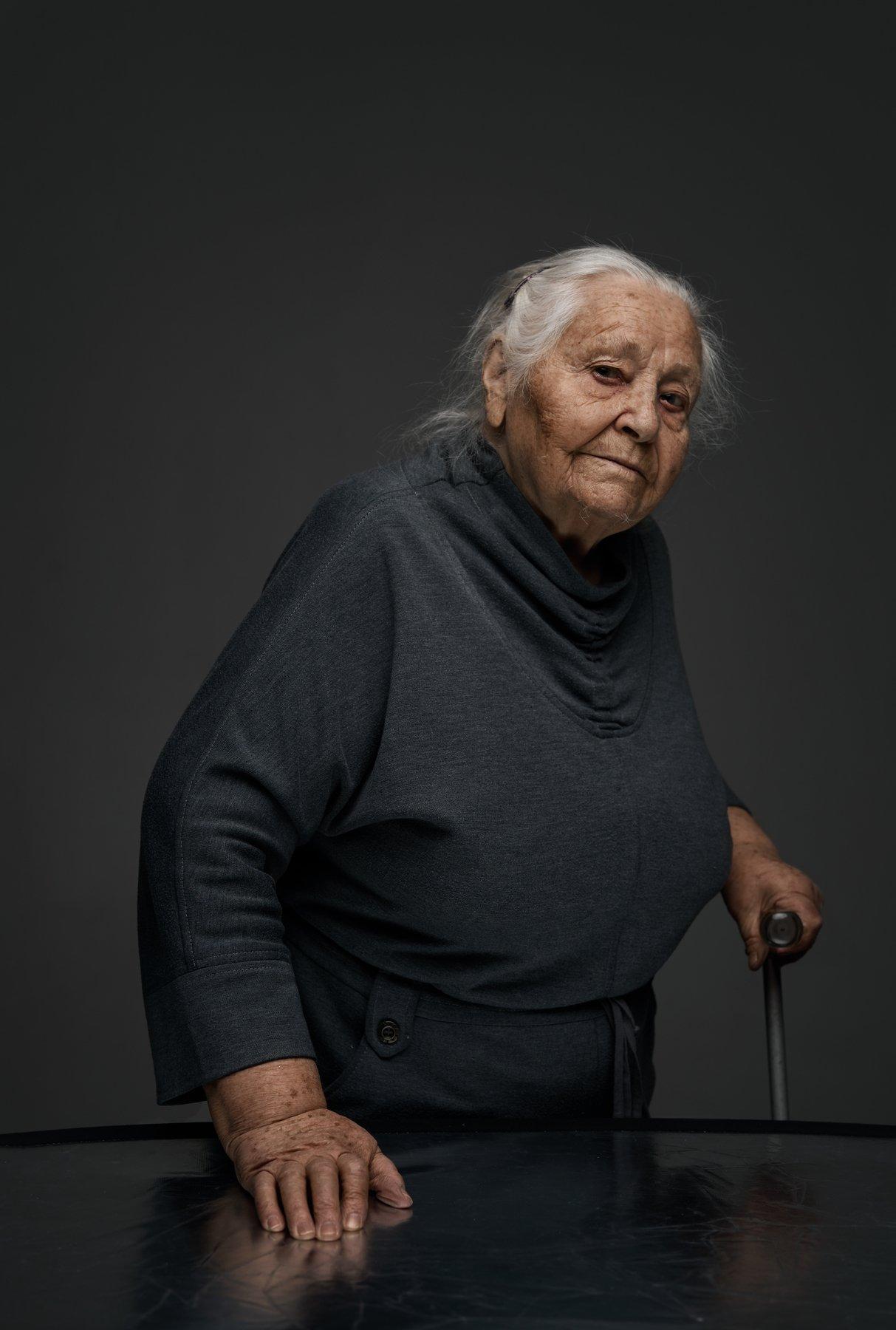 grandmother, grandma, old, woman, studio, ufa, family, sony, Роман Филиппов