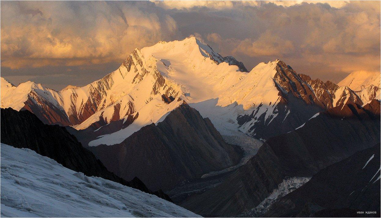 горы, киргизия, памир, пик губаева, 5368, ледник, туризм, альпинизм,, Иван Жданов