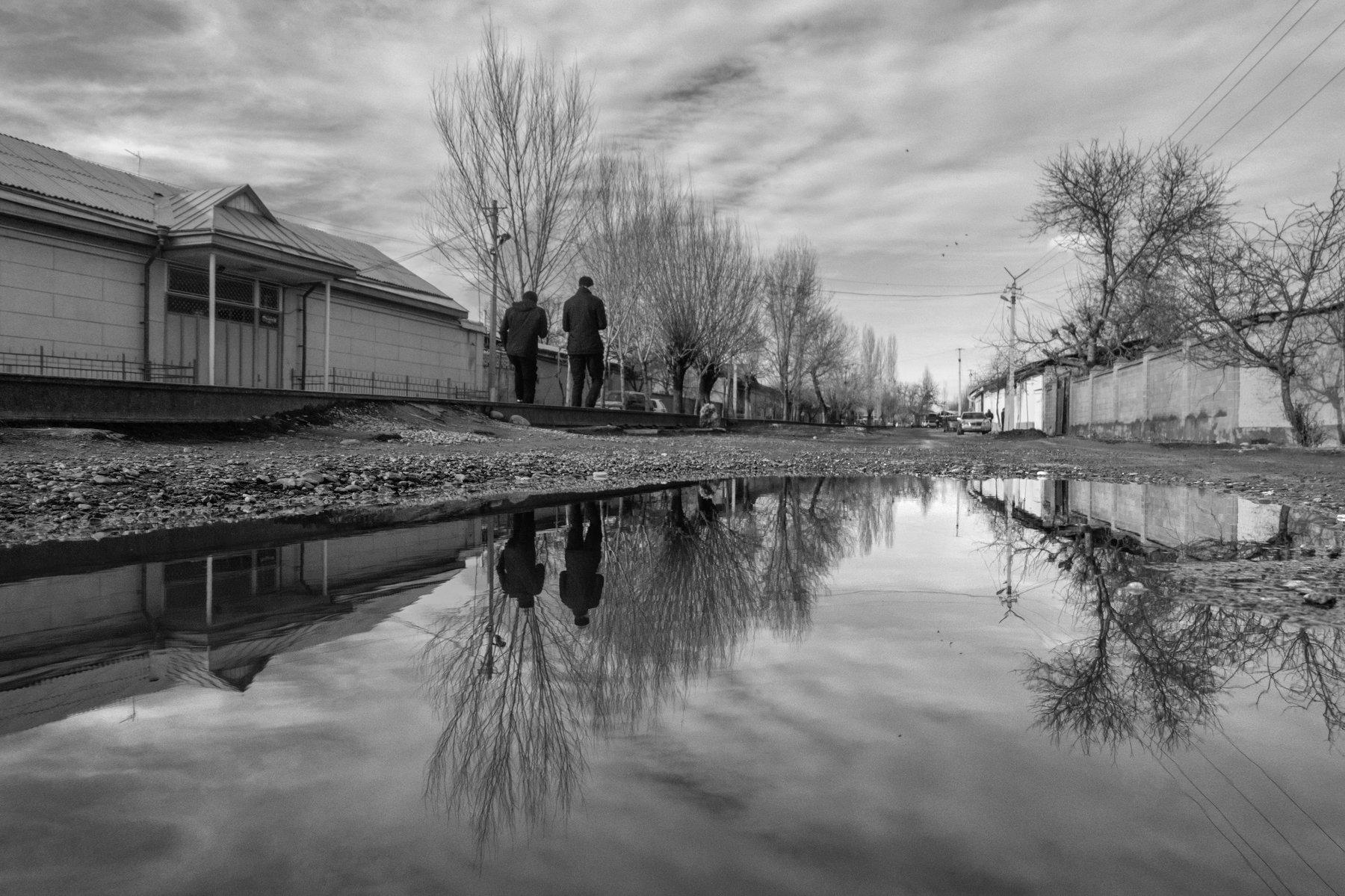 отражение, стрит, черно-белое, улица, кыргызстан, средняя азия, reflection, water, street,, Марат Сайранбаев