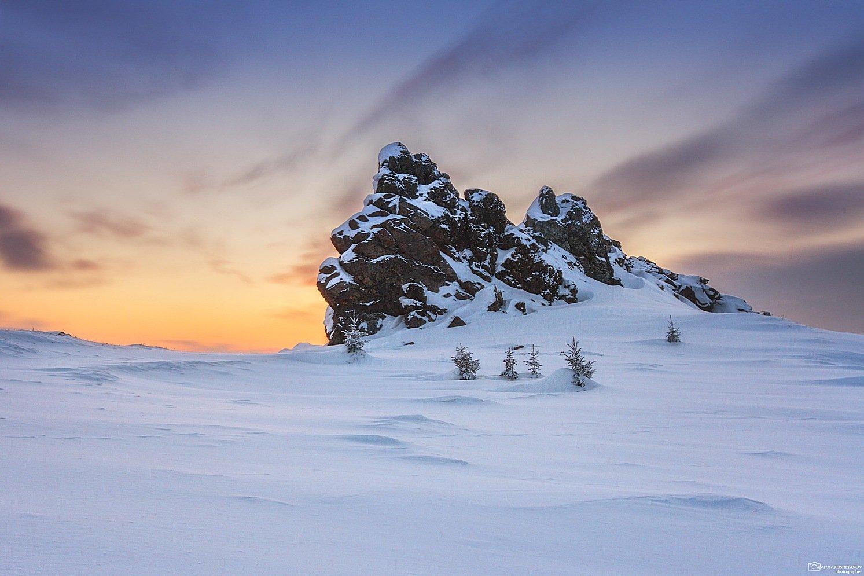 рассвет, зима,скалы, горы, пейзаж,восход,снег, камни, пермский край, сараны, урал,солнце,сугробы, морозно, утро, Антон Кошетаров