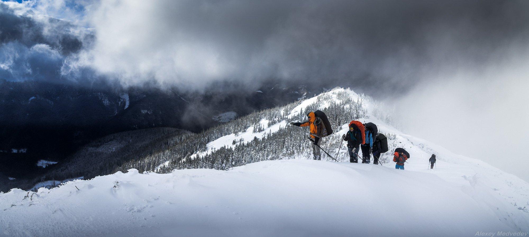 ukraine, man, hiker, carpathians, tourist,  mountains, people, один, одиночество, горы, зима, холод, Карпаты, сывули, горганы, Алексей Медведев