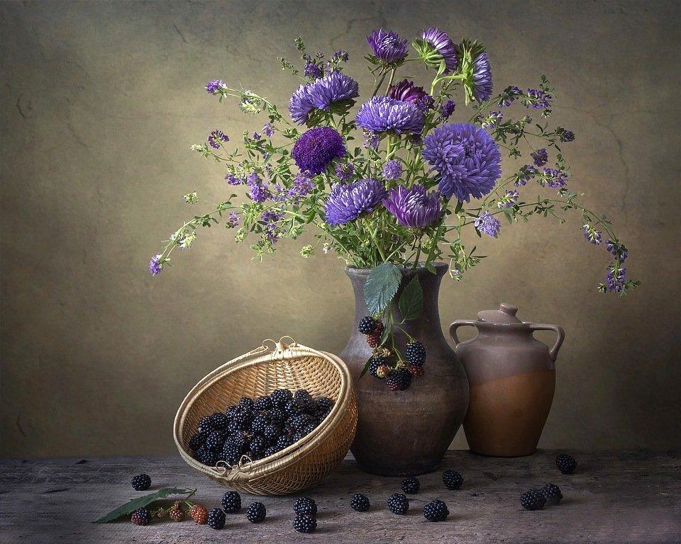 натюрморт, цветы, букет, осень, астры, фиолетовые, ежевика, Ирина Приходько