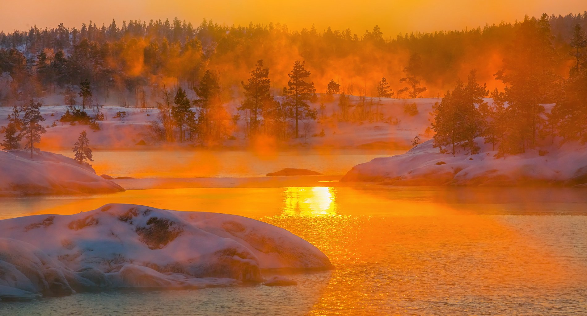 ладожское озеро, карелия, остров, зима, снег, фототур, скалы, шхеры, льдины, закат, туман, вода,, Лашков Фёдор