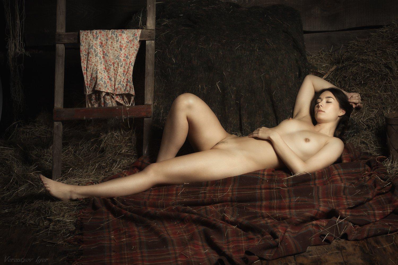 ню, девушка, грудь, обнажённая, винтаж, сеновал, Воронцов Игорь