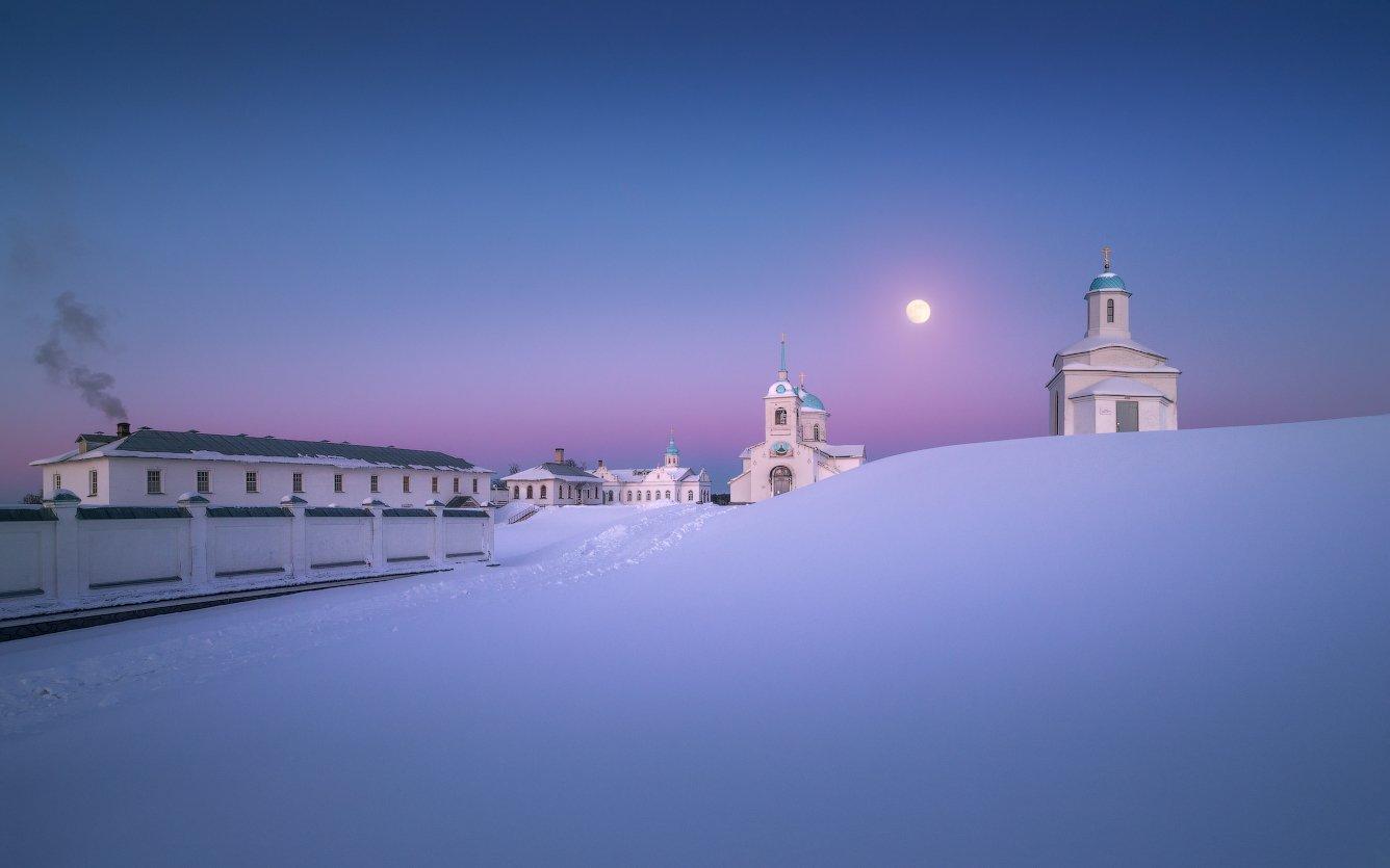 зима, снег, вечер, монастырь, церковь, Cтанислав Малых