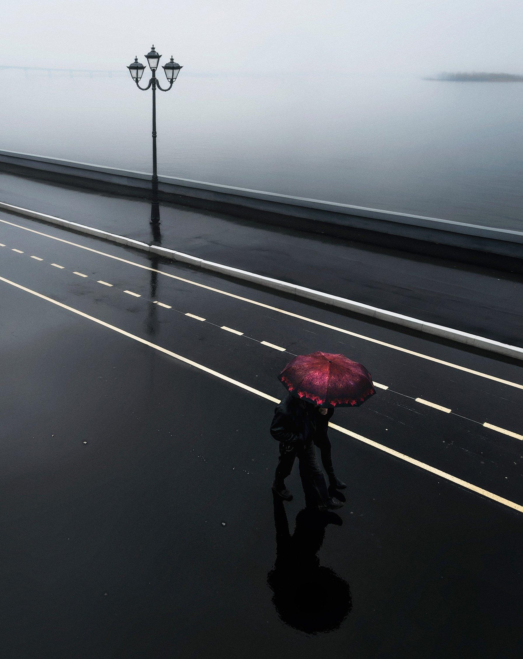 стрит, город, дождь, зонт, набережная, волга, Алексей Ермаков