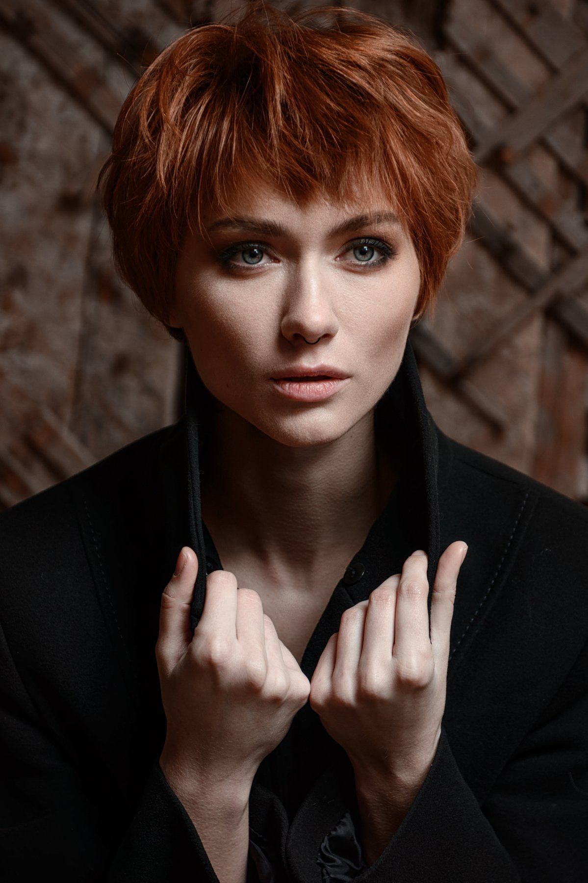 model, redhead, look no camera, posing, girl, red hair, nikon, portrait, eyes, lips, hair, look, deep look, hands, Анна Дегтярёва