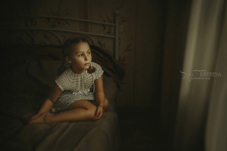 девочка, портрет, дети, ребенок, кровать, взгляд, Крупина Татьяна