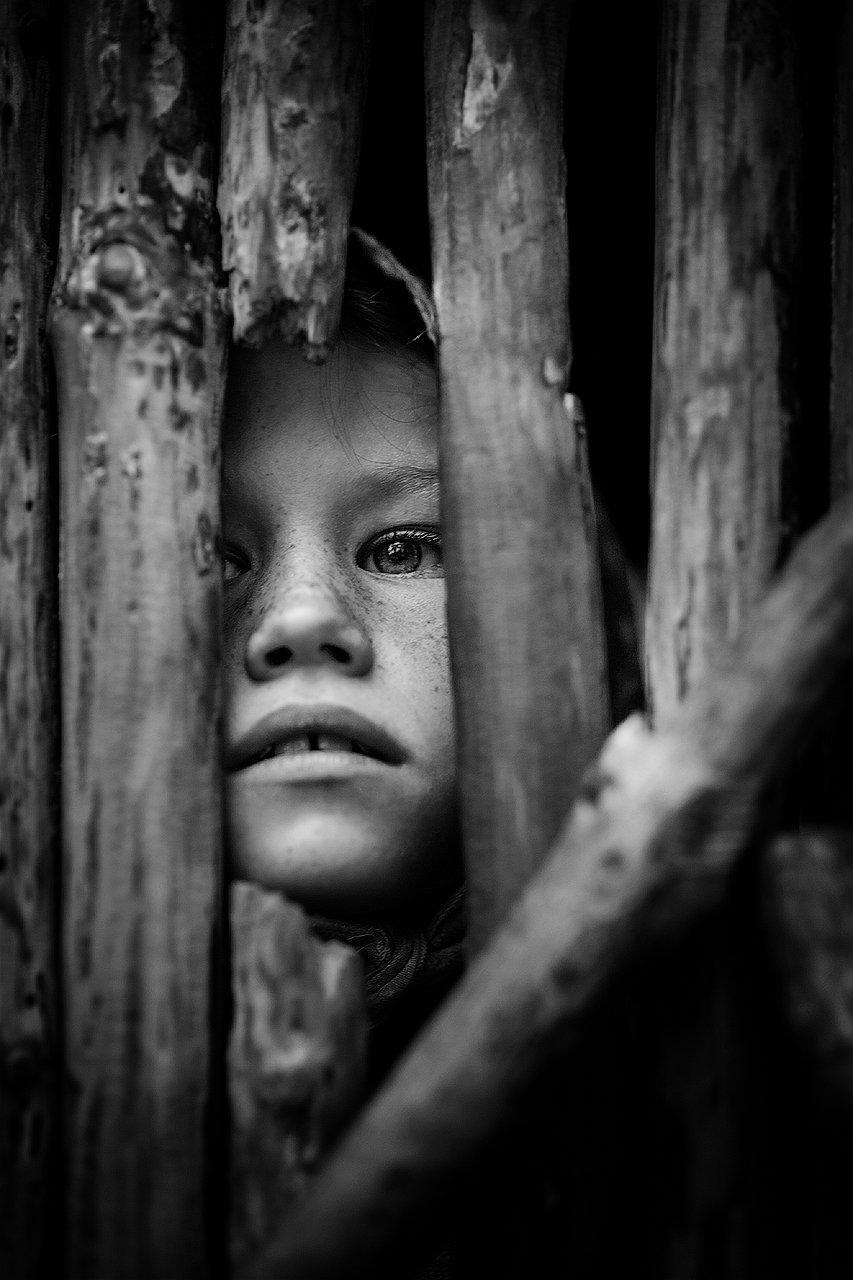 девочка, деревня, платок, половина, забор, дверь , Комарова Дарья