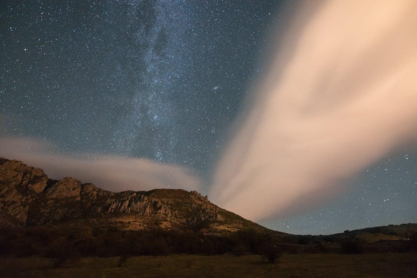 ночь, демерджи, крым, млечный путь, горы, звезды, астрофотография, лентикулярные облака, ночное небо, Олеся Боева