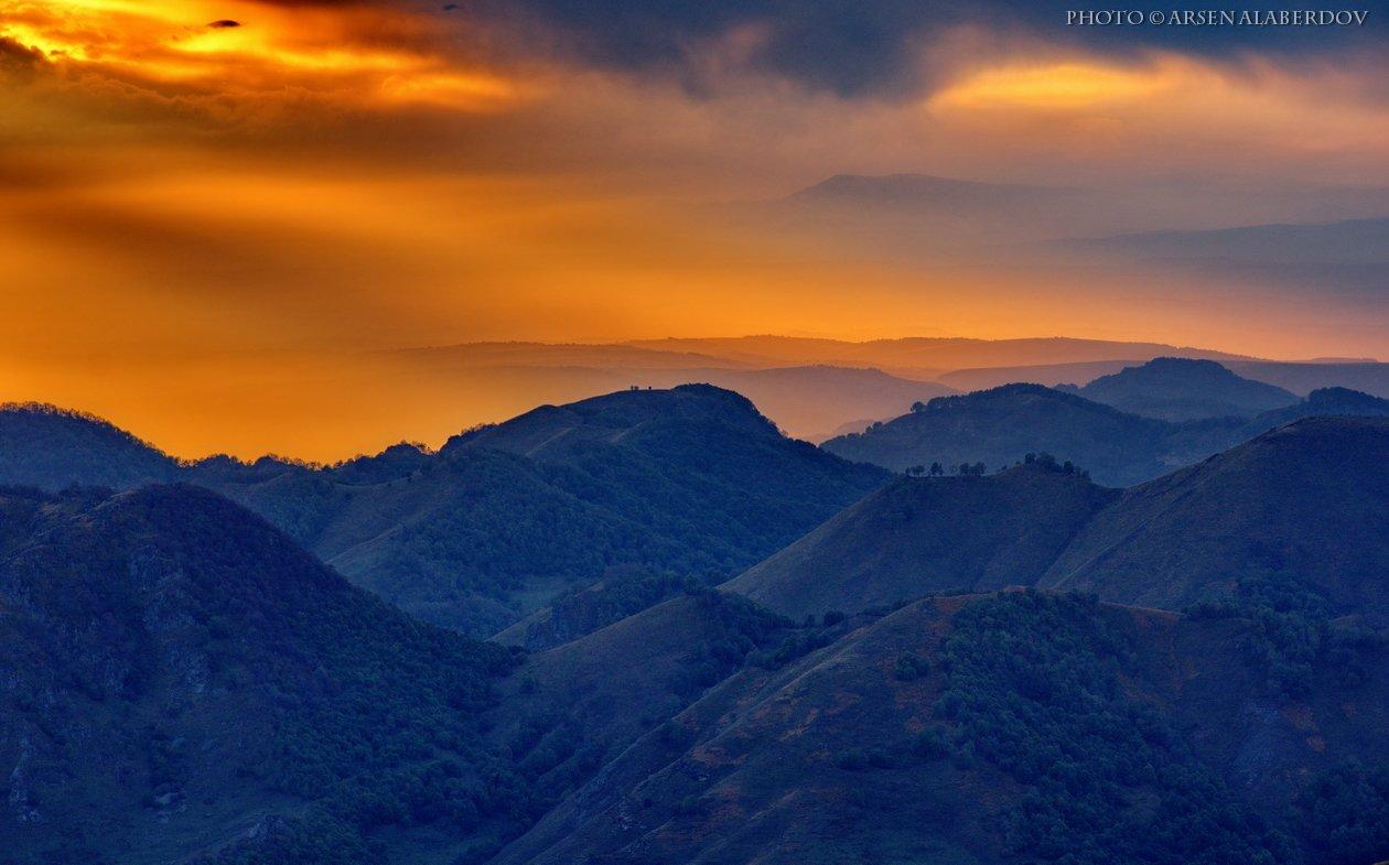 весна, поле, холмы, равнина, долина, утро, вечер, карачаево-черкесия, кавказ, простор, закат, дымка, туман, АрсенАл