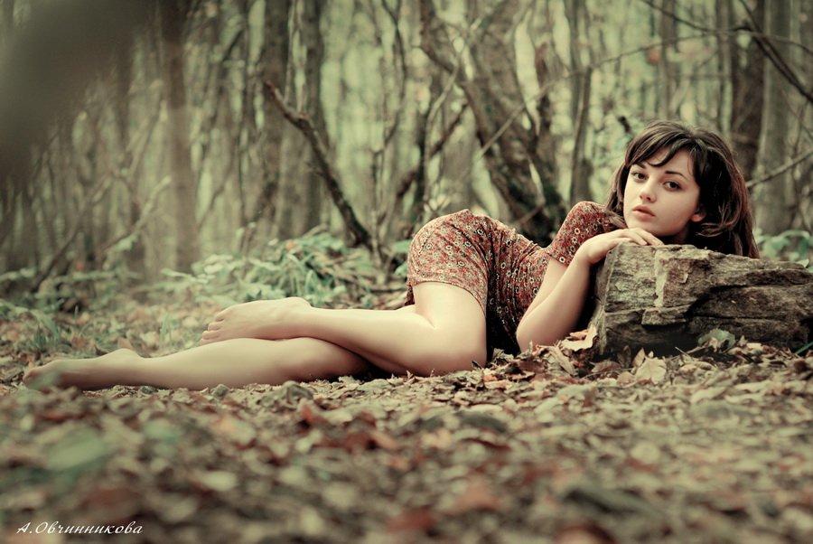 Сексуальные девушки в лесу
