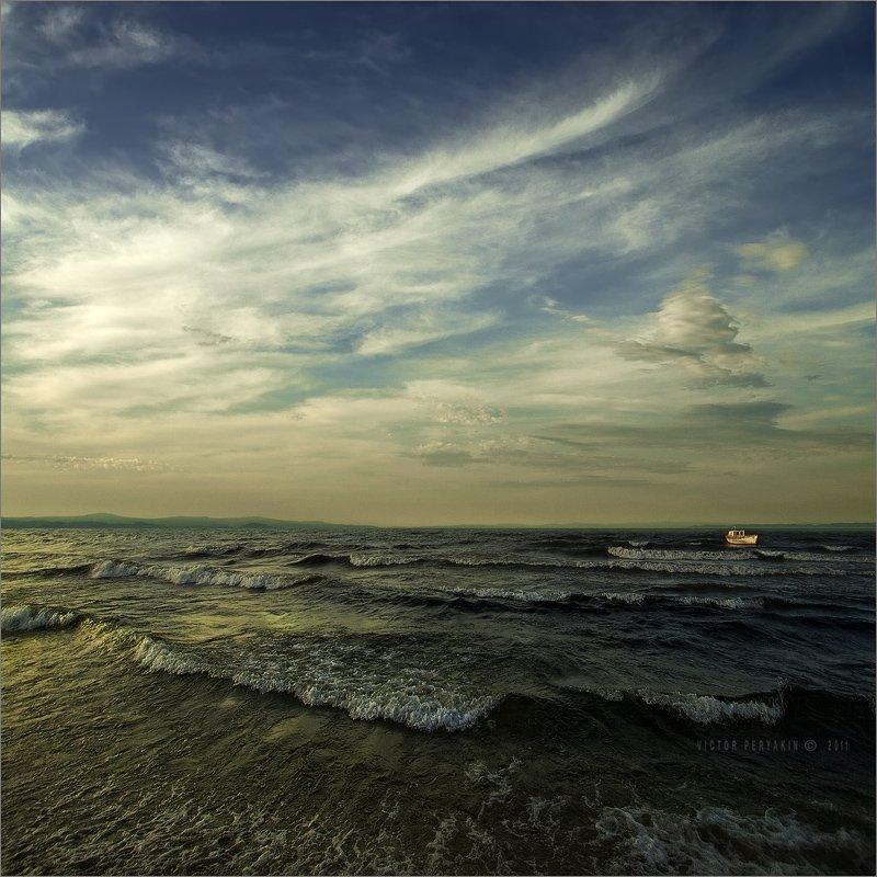 байкал, бурятия, сухая, перякин, кораблик, прибой, волны, вечер, Виктор Перякин