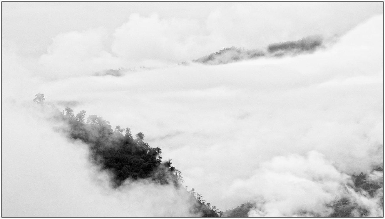 горы,гималаи,облака,туман, trinitrotoluol