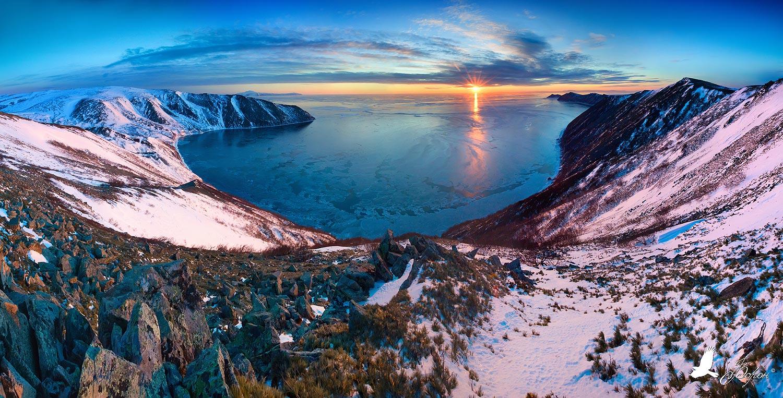 бухта светлая, магадан, закат, море, зима, горы, остров завьялова, полуостров старицкого, Ворон