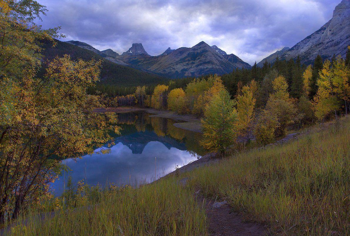 канада, скалистые горы, озеро, осень, отражения, Екатерина Богданова