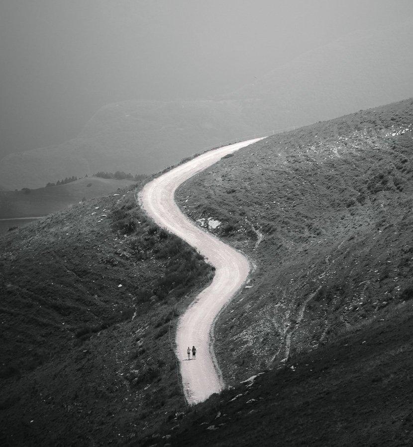 италия,гарда,горы,дорога,двое, Александр Константинов