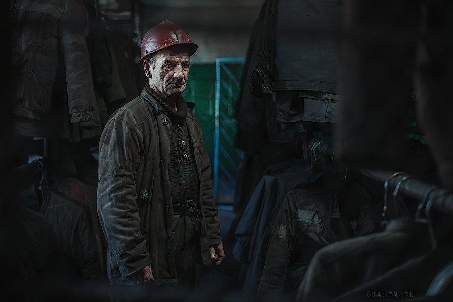 шахтер, портрет, жанр, раздевалка, шахта, добыча угля, coal, mining, coal mining, portrait, russia, kuzbass, Шаленкин Роман
