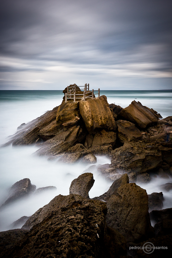 """Stone throne"", photographed at Santa Cruz beach; Visit me at (Посетите меня на)  http://www.pedrocarmonasantos.com/"