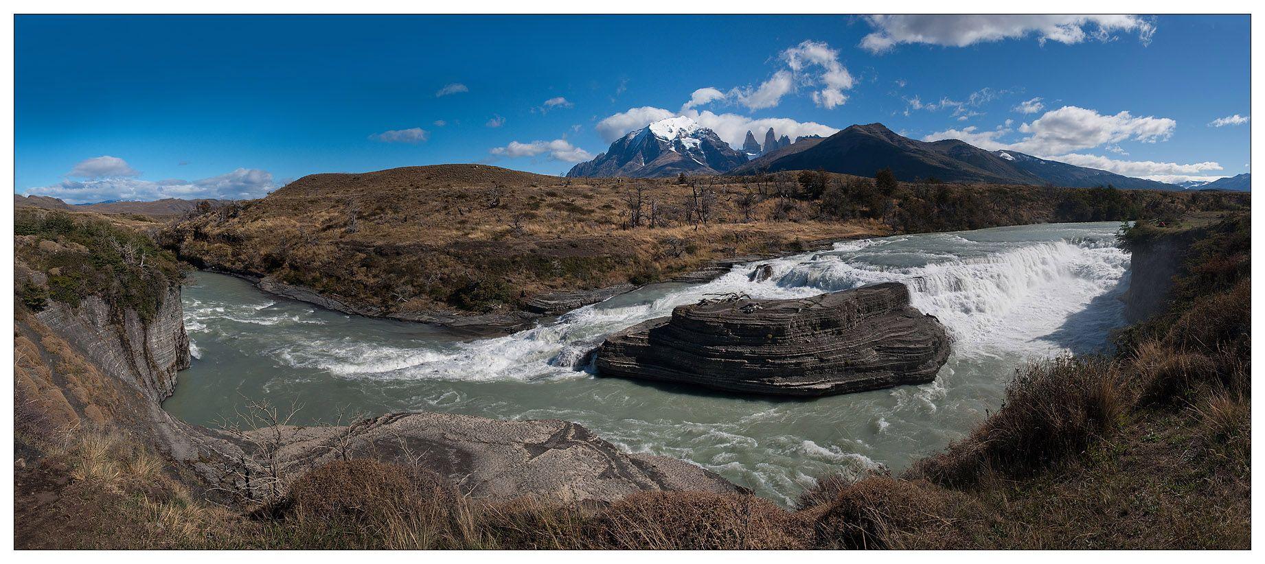 Со стороны Анд к национальному парку примыкают несколько огромных ледниковых массивов, которые питают реки, за миллионы лет создавшие в горных породах глубокие каньоны.. В окрестностях можно увидеть живописные водопады.