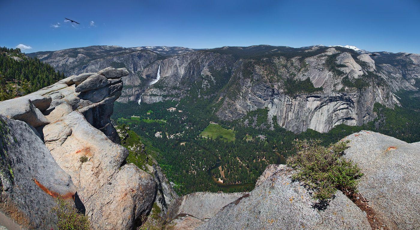 """3. Территория парка в основном состоит из гранитных пород. Около 5 % - вулканические и осадочные породы - так называемые """"провисы кровли"""". В результате их эрозии, появлялись U-образные ледниковые каньоны."""