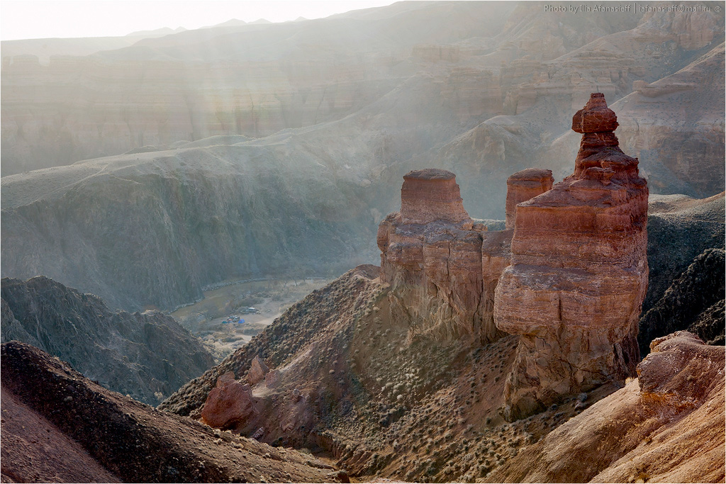 05. Чарын. Башни  •  Замки  •  Пещеры  •  Красные камни  •  Солнце  •  Сыпуха  •  Горная река  •